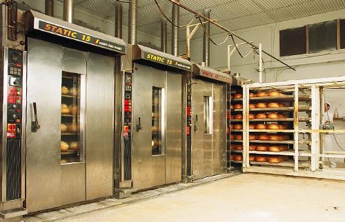 Panadero con hornos para panaderia STATIC REFRAC GPG Grupo Prat Gouet
