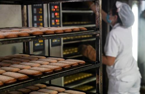 Especialidades horneadas en un hornos de aceite térmico STATIC, en Panadería Orejón